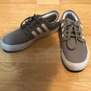 Grey skater Adidas